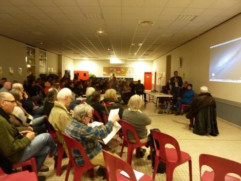 Plus de 120 personnes étaient présentent pour assister au débat animé par François Villerette